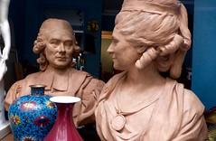 droit de regard (canecrabe) Tags: terrecuite buste regard vitrine paris drouot cloisonné vase sculpture