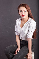AKU_5943 (Akasumoto) Tags: 85l look girl beautiful canon 1dsmark3 1dsmarkiii portrait vietnam body color lighting strobe studio chair hair fly flower