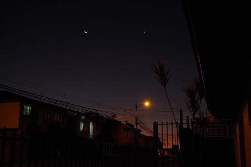 El atardecer, la luna, la estrella y mi barrio