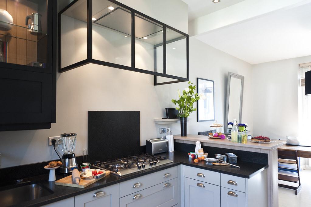 Cuisine gris noir cuisine lgante decoration couleur - Deco plan de travail cuisine ...
