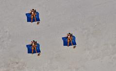 Riazor (__Santi__) Tags: mer sol beach mar spain sable playa towel arena espana galicia verano espagne acoruna plage oceano lacoruna serviette riazor sandtoalla