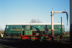 A contrast in traction (st_asaph) Tags: didcot didcotrailwaycentre greatwestern preservedrailway bonnieprincecharlie 18000 gasturbine 040t preservedsteam 040st kerosenecastle brownboverie