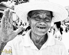 Happy! (Kvervil) Tags: china old moon man festival canon temple eos canoneos5dmarkii eos5dmarkii
