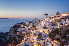 I Heart Oia (Allard Schager) Tags: sunset seascape landscape islands nikon dusk peaceful calm september santorini greece caldera vista iconic oia cyclades mediterraneansea thira gettyimages schemering tranquilscene griekenland aegeansea cycladen 2013 middellandsezee touristdestination pictoresque d700 nikond700 nikkor2470mmf28 allardschagercom aegeschezee