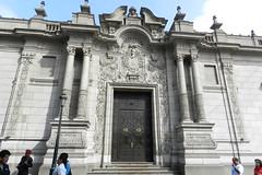 Lima - Palacio de Gobierno del Peru -  Plaza de Armas Patrimonio de la Humanidad Peru 09 (Rafael Gomez - http://micamara.es) Tags: world plaza heritage peru de la mayor lima armas per palacio gobierno humanidad patrimonio ph565