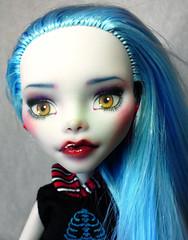 Ghoulia Yelps repaint 2 (AshGUTZ) Tags: dolls ooak redlips bluehair yelloweyes redglasses repaints customrepaint scaris monsterhigh ghouliayelps monsterhighdoll glossyredlips monsterhighcustom monsterhighrepaint monsterhighrepaints ghouliayelpsrepaint monsterhighcustoms