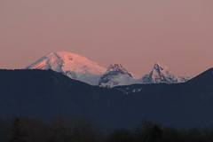 Baker's Bust (Dos Con Mambo) Tags: sunset sun snow mountains ice nature beautiful beauty volcano washington perfect bestof natural first best steam bellingham wa bluehour goldenhour mtbaker alpenglow plume whatcom deming