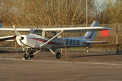 G-BGIB (IndiaEcho) Tags: light england canon airplane eos airport general aircraft aviation hampshire aeroplane civil bbs airfield 152 yately blackbushe cesnna eglk 1000d gbgib