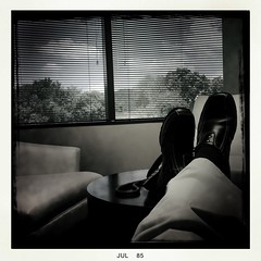 Heavy Is The Crown... (Tom Frundle) Tags: office break tn scenic relaxed bts 2015 likeaboss johnslens iphoneonly hipstamatic blackeysbwfilm