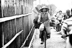 Morning Commute_Hanoi_Vietnam (David Hagerman Photography) Tags: streetphotography motorcycles vietnam hanoi streetscenes