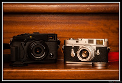 Fuji X-Pro 1 et Leica M2 (Maestr!0_0!) Tags: camera new leica old film analog vintage 50mm 1 photo fuji gear x collection pro grip m2 elmar fujinon aps numerique argentique appareil 18mm 24x36