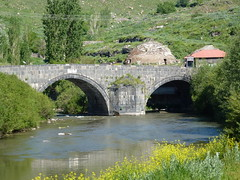 Ottoman bridge - Kars (marc's pics&photos) Tags: turkey middleeast ottoman turks anatolia kurdish kurds kars neareast ottomanempire easternturkey karsturkey easternanatolia karsprovince