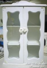 Mini Cristaleira (Viviane Mor Atelier) Tags: mdf romntico cristaleira farmacinha