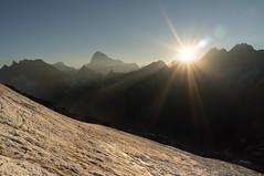 Zonsopgang vanaf Pigne dArolla (Inklaar) Tags: zomer fujifilm bergen alpen wallis zon ochtend zwitserland x100 gletsjer zonnestralen zonsopkomst evolne 2013 inklaar:see=all