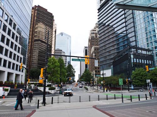 Canada Place mit Blick auf die Burrard Street