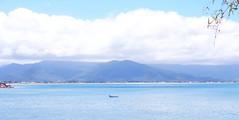 hid the speed inside my shoe (Beabiabolhas) Tags: sea brazil mountains beach nature boat florianpolis