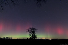 Streams of Red & Green Aurora 27.02 14 (twinklespinalot) Tags: lights astrophotography aurora astronomy northern essex 1022mm spaceweather felsted canoneos700d aurorawatch