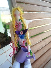 Tilda Loira (GarotaECO Atelie) Tags: primavera floral doll boneca tilda anjo loira florista tildabailarina tildaprincesa tildacamponesa tildaanjo