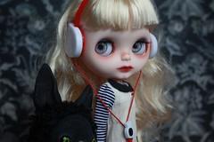 Cathy (umami_baby) Tags: dark miniature punk doll vampire alice ooak ghost goth victorian blonde blythe cathy freckles collectible etsy artdoll fashiondoll customizeddoll dollhouse aliceinwonderland wutheringheights customblythe umamibaby cathylinton