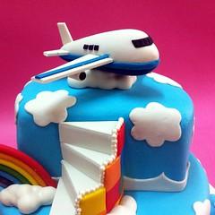 Airplane over the rainbow Cakes for Kids (Cakedeliver.com Malaysia Cake House) Tags: cakeshop cakehouse klangvalley partycake noveltycake customcake kidscake 3dcakes designedcake cakeorder childrencakes bestcakes fondantbirthdaycake 3dbirthdaycake figurinecake kslcitymall kepongbakery sripetalingcakestore malaysiabaker