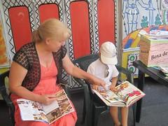Citim mpreun la Trolleybook (Centrul Academic Eminescu) Tags: eminescu centrul caie chiinu trolleybook