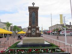 Cenotaph, Streetstville (Sean_Marshall) Tags: ontario mississauga streetsville