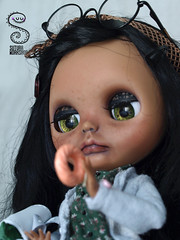 Coffee, tan blythe on adoption <3 (Nepenthe (Sutura Workshop) - NEW ACCOUNT!) Tags: nepenthe sutura workshop doll tan blythe custom custo carving handpainted chips eyelids coffee ooaak collector freckles adoption cute carved dark eyes faceup full fc fa girl hair japanese kawaii lips lids makeup muñeca maquillaje natural ooak plastic realistic suturaworkshop sweet pullring