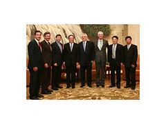 Premiers/premiers minstres, CCBC Honorary Chair/président honoraire du CCBC André Desmarais, with/avec Sha Hailin, Deputy Secretary General of Shanghai/vice-secrétaire général de la Ville de Shanghai