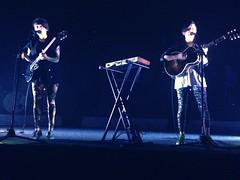 Tegan and Sara in Memphis, TN at Minglewood Hall on July 11, 2013 (juvong) Tags: sara tegan