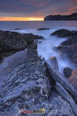 La grieta (saki_axat) Tags: seascape sunrise revista amanecer mundaka urdaibai canonikos