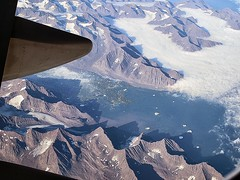 Arctic Circle (kenjet) Tags: terrain mountain snow mountains united wing aerial glacier arctic glaciers boeing ual 747 ua arcticcircle unitedairlines 747400 mtns 747422 n128ua
