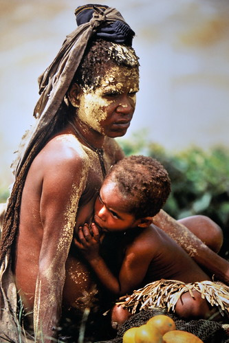 Western New Guinea - Baliem Valley - Dani Woman With Child - 07