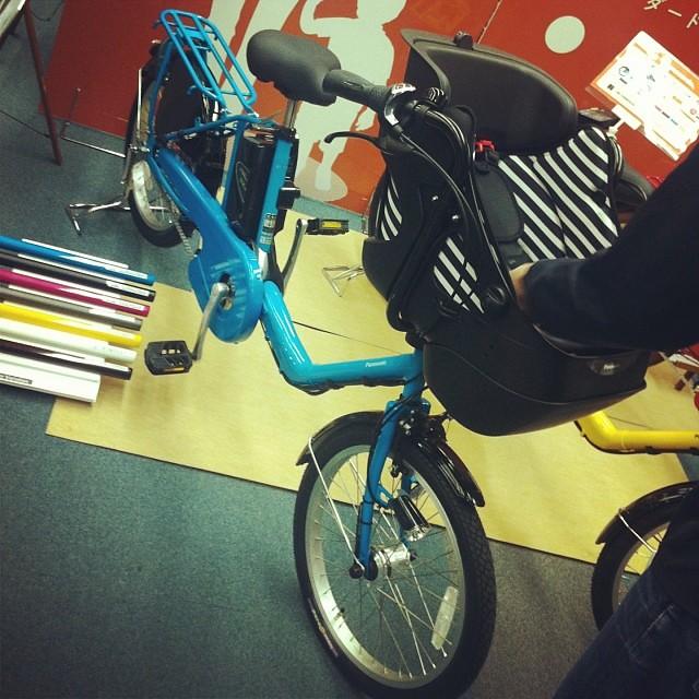 デザインもシンプルで超カワイイ! #eirin #panasonic #ギュットミニ #展示会 #新商品 #電動アシスト自転車 #三人乗り対応