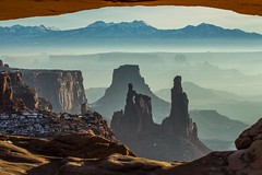 Meas Arch View of La Sal (Highlandsnapper) Tags: sunrise utah nationalpark sandstone desert erosion canyonlands moab soutwest lasal mesaarch