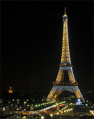 Eiffel tower (Geoff Griffiths Doncaster) Tags: paris france tower eiffel