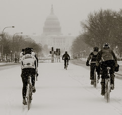 Bicycling in the snow (vpickering) Tags: snow bike bicycle dc washington pennsylvania bikes bicycles uscapitol pennsylvaniaavenue capitol bicyclist bicyclists pennsylvaniaave