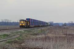 UP stacks come and Disappear.. (Machme92) Tags: railroad up yellow union rail trains rails railyard bnsf railroads railfanning railfans trainmeet unionpacifc burligrton