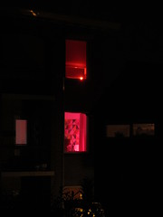 Redlight (Peeano Photography - ピアーノ写真) Tags: redlight flatbuilding lights evening