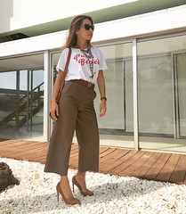 Hoy en el blog! Feliz finde a todos!!!!!! Q disfrutar del finde y de la Semana Santa! #instapic #instamoment #instafollow #instafashion #instamood #tagsforlikes #tagsforfollow #tagsforlikesandfollowers #follow #fashion #followme #fashionstyle #streetstyle (elblogdemonica) Tags: ifttt instagram elblogdemonica fashion moda mystyle sportlook springlooks streetstyle trendy tendencias tagsforlike happy looks miestilo modaespañola outfits basicos blogdemoda details detalles shoes zapatos pulseras collar bolso bag pants pantalones shirt camiseta jacket chaqueta hat sombrero