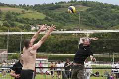 "2013-06-09 - CHAVANAY - tournoi volley - Herve attaque - DSC_5537 • <a style=""font-size:0.8em;"" href=""http://www.flickr.com/photos/73138179@N06/9009738012/"" target=""_blank"">View on Flickr</a>"