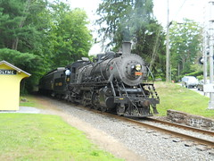 Valley Railroad #3025 2-8-2 In Reverse At Hadlyme Station (thomas_lenhart) Tags: mikado hadlyme valleyrailroad hadlymestation