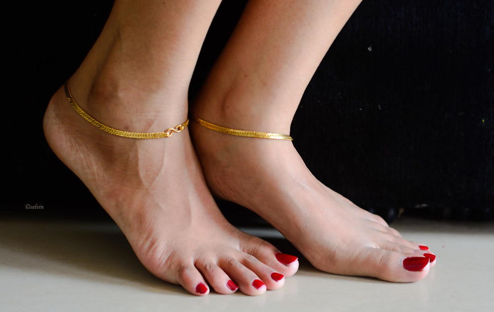 Cool Images Of Legs With Anklets Gallery - Jewelry Collection Ideas ...