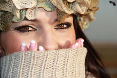 book nice day (JMCV PRODUCCIONES) Tags: mujer retrato ojos campo bella sonrisa escondida niceday algodn