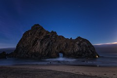 A morning with Pfeiffer (Silent G Photography) Tags: california longexposure travel moon seascape beach stars landscape bigsur wideangle pch highway1 adobe astrophotography nikkor centralcoast keyhole moonset pfeiffer pfeifferbeach pacificcoasthighway travelphotography juliapfeiffer 2013 niksoftware nikond800 markgvazdinskas silentgphotography silentgphoto