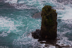 Beautiful mini stack at Duncansby Head (Tina Lear) Tags: blue water scotland highlands stack duncansbyhead tinalear