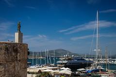 Mirando barquitos (SantiMB.Photos) Tags: sardegna statue port geotagged boats puerto italia barcos yacht ita estatua alghero yate 2tumblr sal18250 vacaciones2013 2blogger geo:lat=4056029599 geo:lon=831214428