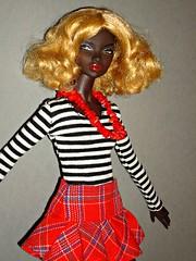 Urban Outfitting Nadja (Deejay Bafaroy) Tags: portrait urban toys doll stripes portrt blond wig blonde fr striped nadja puppe streifen integrity gestreift rhymes percke outfitting fashionroyalty nuface
