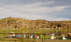 Puno, Per (Luz D. Montero Espuela. 2.5 million visits. Thanks) Tags: trip travel sky cloud lake titicaca clouds landscape lago day pentax cloudy viajes nubes embarcadero nublado nuages barcas da nube puno k7 sudamrica nuboso america peru pentaxk7 luzdmonteroespuela