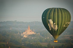 Oriental Balloons (Mariasme) Tags: temple hotairballoon myanmar iconic intheair bagan chinthe friendlychallenges fotocompetition fotocompetitionbronze fotocompetitionsilver storybookwinner gamesweepwinner storybookttwwinner storybookmonthlywinner favescontesttopseed favescontestfavored storybookq14