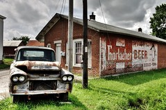 "Horlacher Beer - ""It's a case of flavor"" (Lights in the Old Farmhouse) Tags: york old chevrolet beer sign wall truck gm pennsylvania painted ghost advertisement roadside 1959 lincolnhighway horlacher"